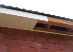 Варианты подшивки карнизов крыши