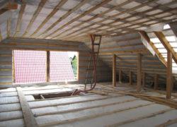 Каким утеплителем для мансардной крыши лучше воспользоваться?