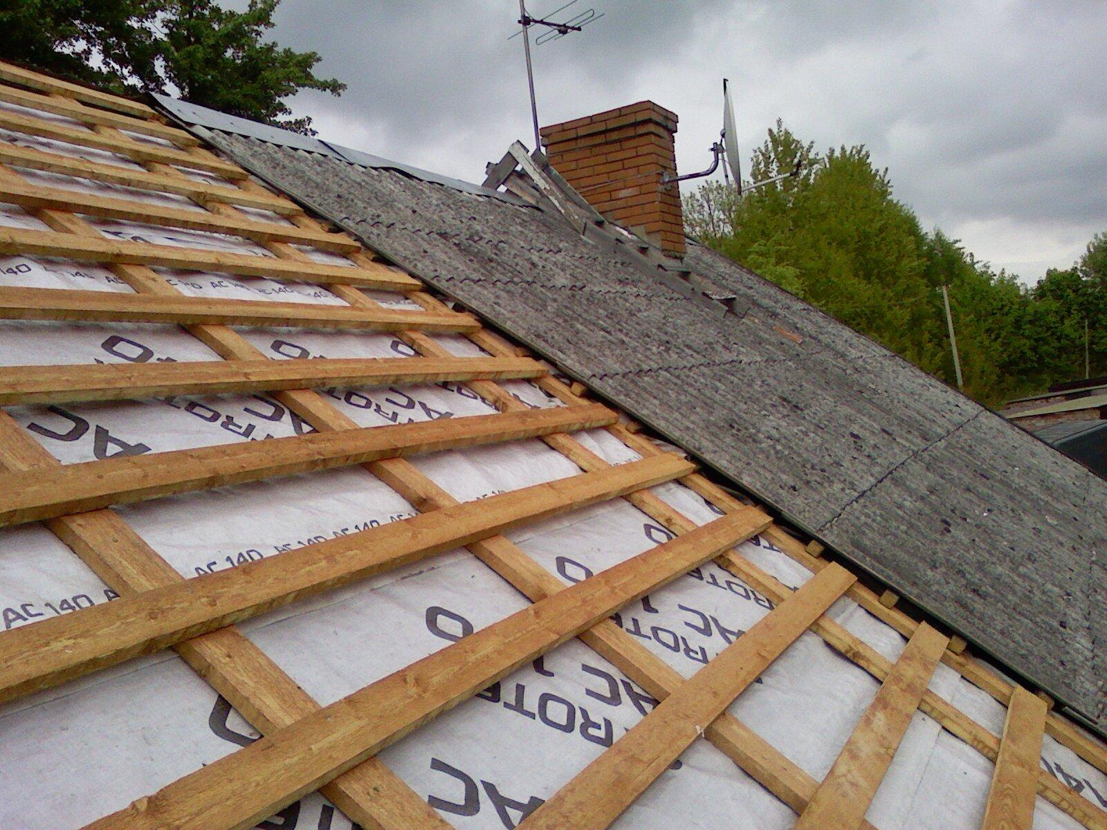 Проход и примыкание трубы на крыше из профнастила 19